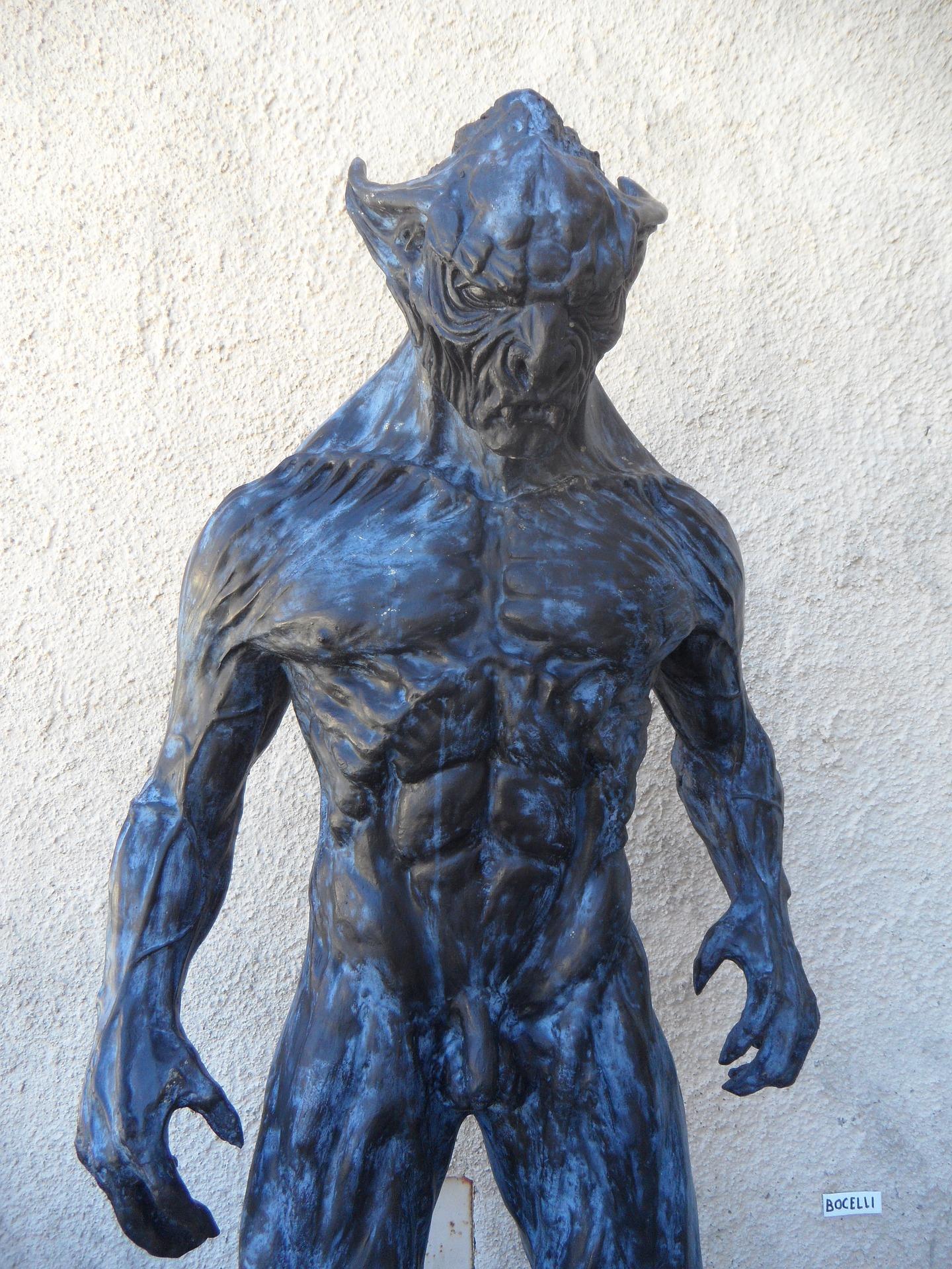 halloween wolf animatronic